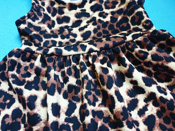 Used Leopard dress/size fit 4-5 years old in Dubai, UAE