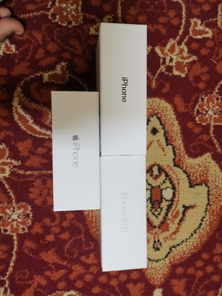 Used 3 iPhones boxes in Dubai, UAE