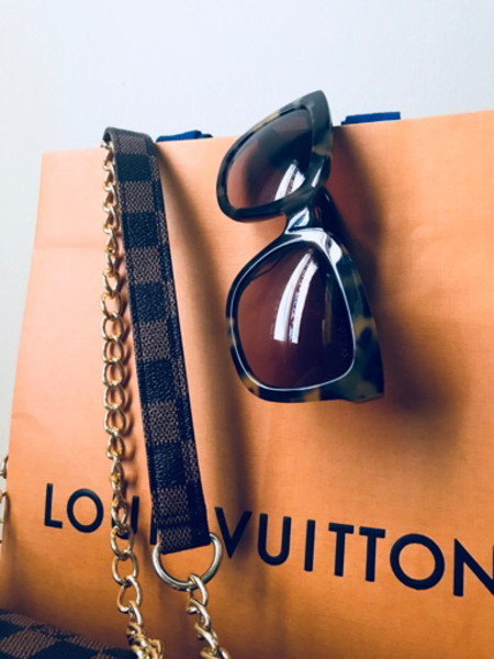 Used Special price: LV & Guess in Dubai, UAE