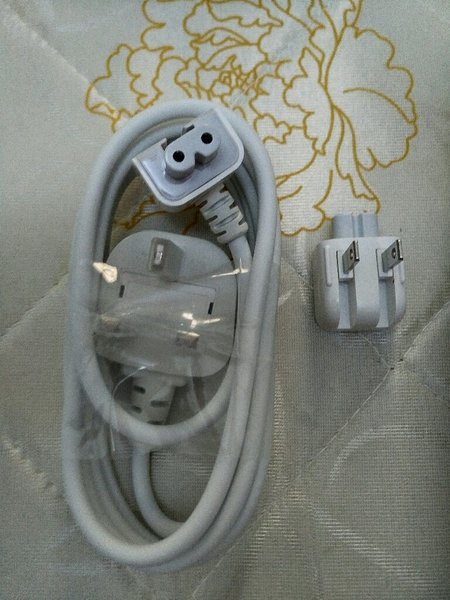 Used ORIGINAL CABLE FOR Macbook MagSafe 2 in Dubai, UAE