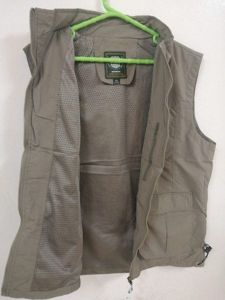 Used men's casual multi-pocket Vest khaki in Dubai, UAE
