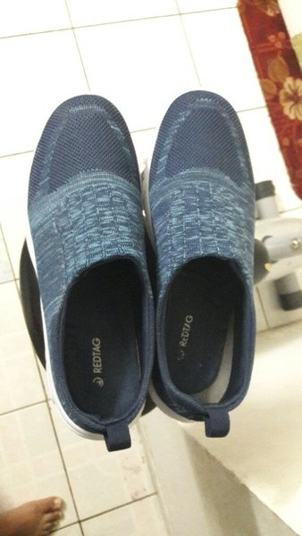 Used Shoes red tag in Dubai, UAE