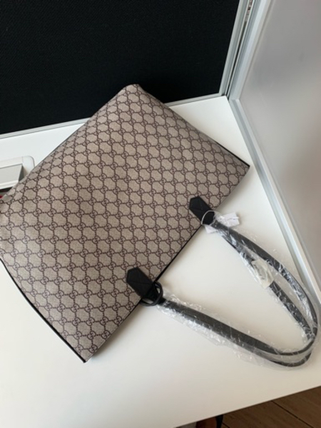 Used Gucci Reversible Bag in Dubai, UAE