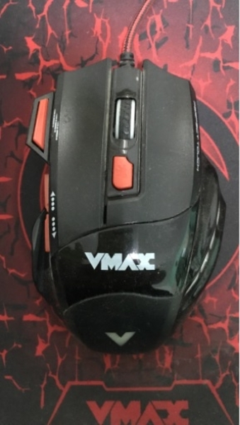 Used Vmax gaming mouse and gaming mouse pad in Dubai, UAE