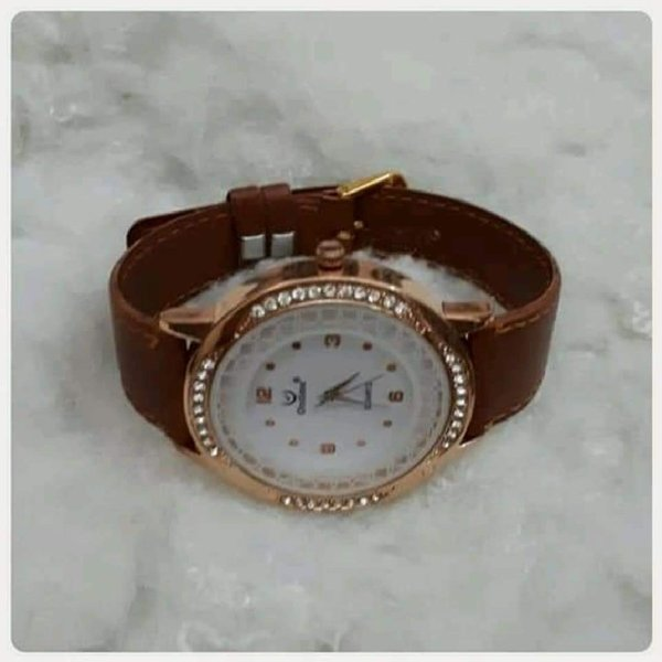 Used Watch brown color in Dubai, UAE