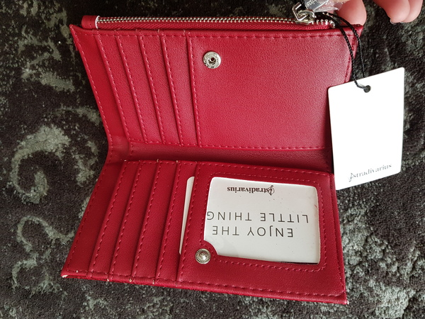 Used Stradivarius wallet in Dubai, UAE