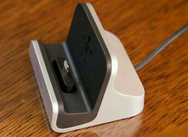 Used Brand new. Charging and synchronization Dock charger for Andriod smartphones. silver color. in Dubai, UAE