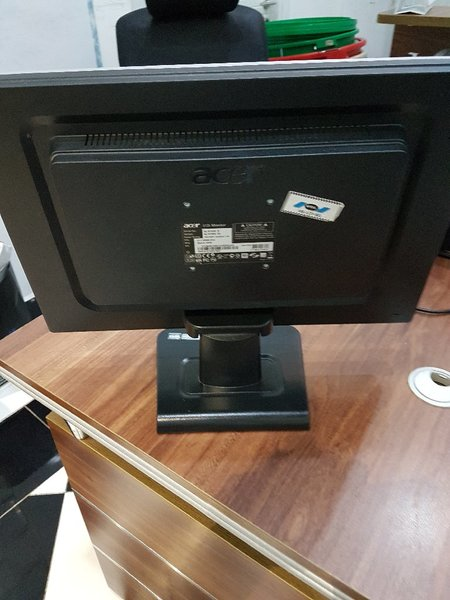 Used Acer LCD monitor in Dubai, UAE