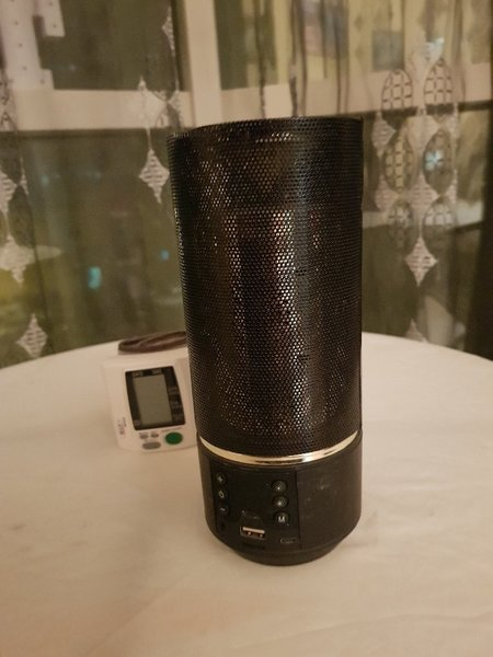 Used Bluetooth speaker with power bank 🎁 in Dubai, UAE