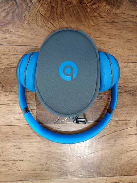 Used Beats solo 3 wireless in Dubai, UAE