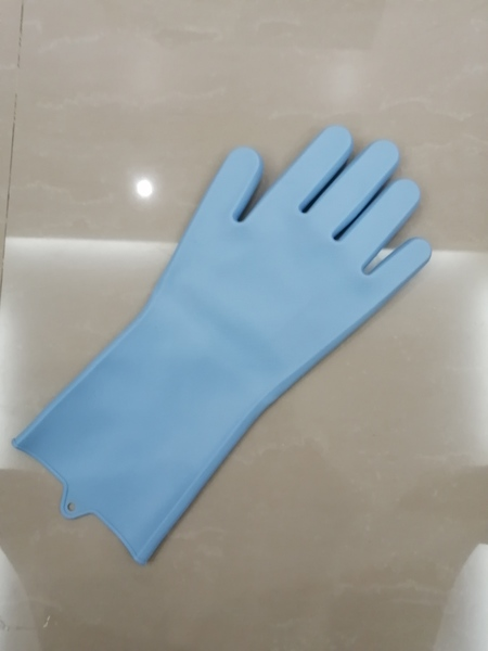 Used Household glove 1 pcs blue in Dubai, UAE
