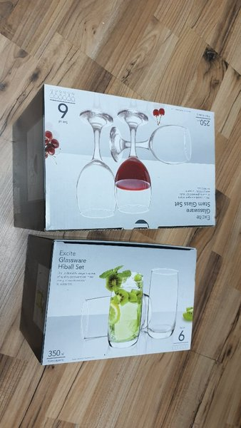 Used 2 set of glass cups🎅🎅🎅 in Dubai, UAE