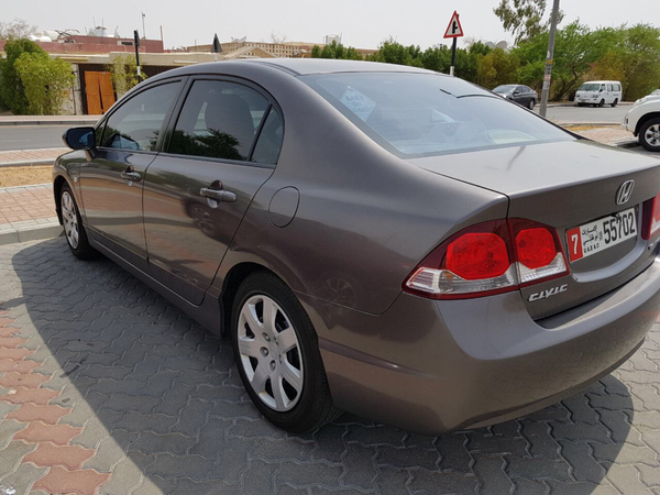 Used Honda Civic Mid Option In Mint Condition For Urgent Sale in Dubai, UAE