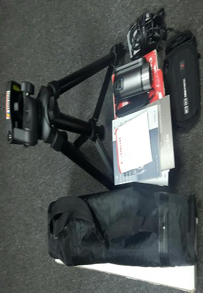 I'm selling Canon  Digital camcorder  (UAE purchase) . With Warrenty. 41 X Zoom.