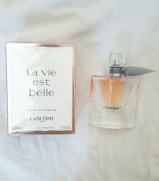 Used Original Lancome La Vie Est Belle Perfum in Dubai, UAE