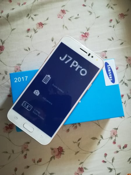 Used Samsung J7 pro replica in Dubai, UAE