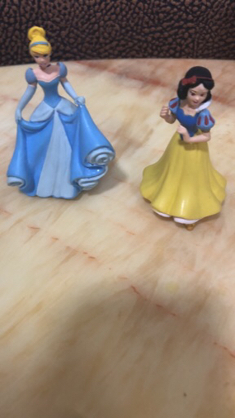Used Elsa and Anna Disney toy. in Dubai, UAE