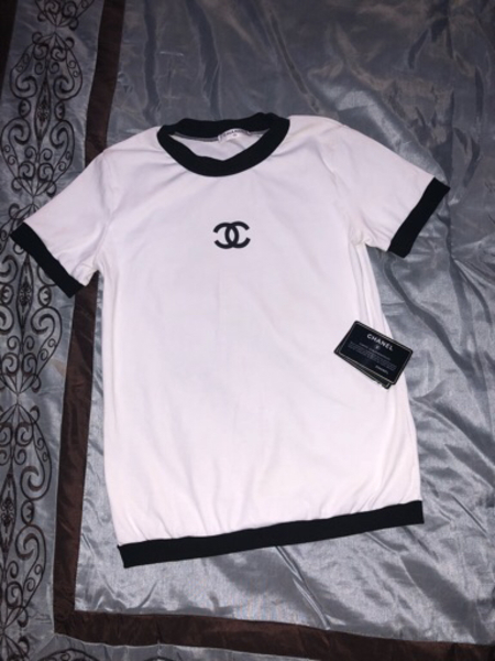 Used Worn once master copy size small in Dubai, UAE