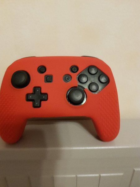 Used Silicone red cover for pro controller NS in Dubai, UAE
