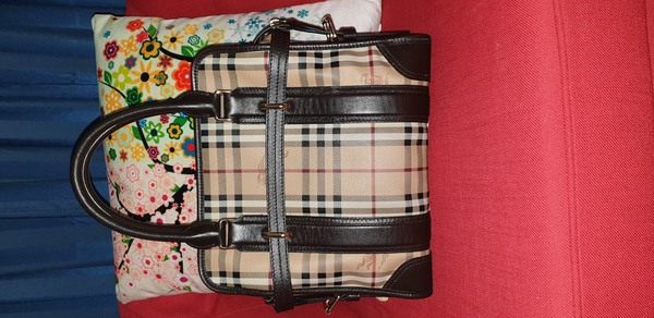 Used Original Burberry Bag in Dubai, UAE