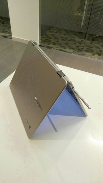 Used Samsung Crombook Plus Used With Charger in Dubai, UAE