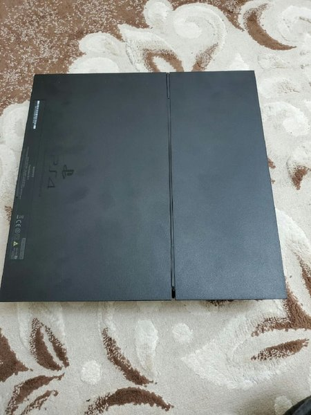 Used PS4 500Gb with ps plus for 6 months in Dubai, UAE