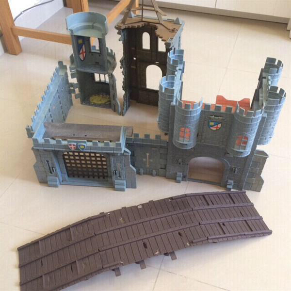 Boys Castle Base Toy. Good For Playing With Your Kids Action Figures For Background Or Base.