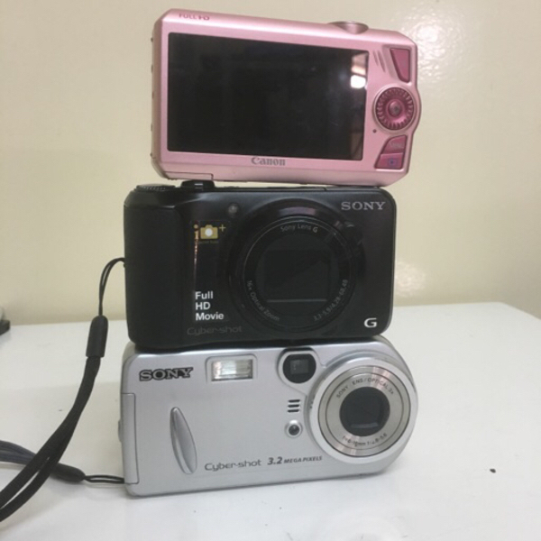Used 2 sony and 1 canon cam #  not working in Dubai, UAE