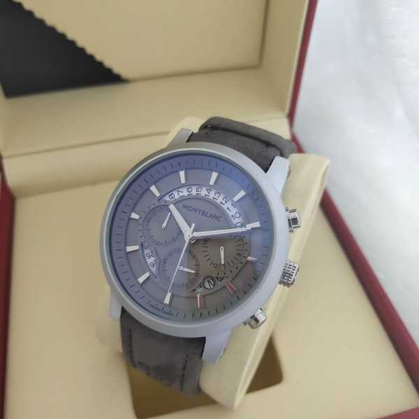 Used New men's Montblac watch AAA copy in Dubai, UAE