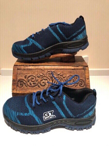 Used Blue safety sneakers size 44 in Dubai, UAE