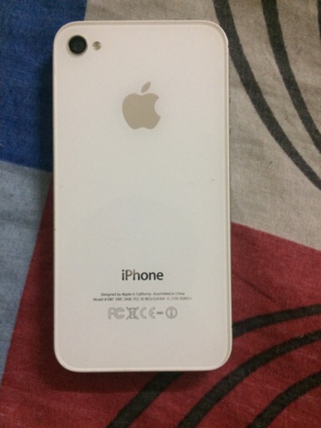 I phone 4s 32gb og with charger