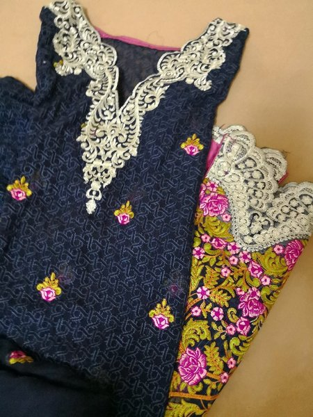 Used Pakistani embroidery 2 pieces dress in Dubai, UAE
