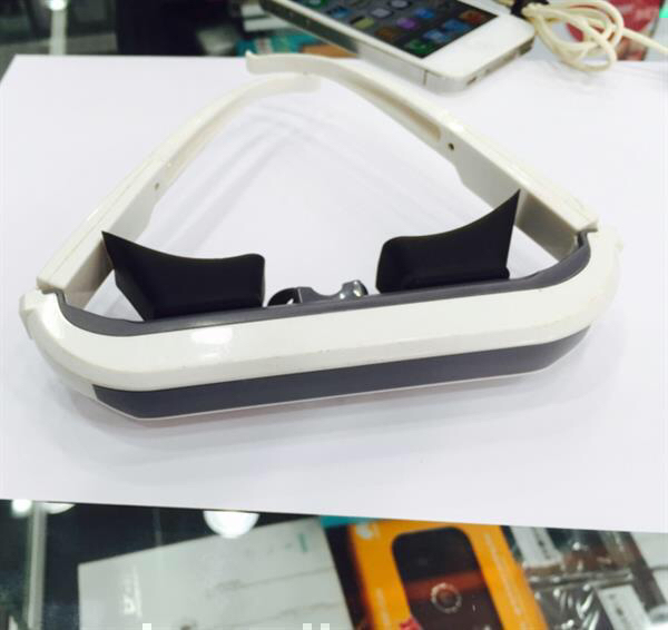 Used Iphone 4&4s Personal Movie Watching Glass gadget in Dubai, UAE