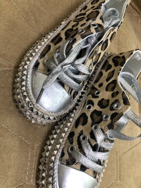 Used low top shoes brand new 35 in Dubai, UAE