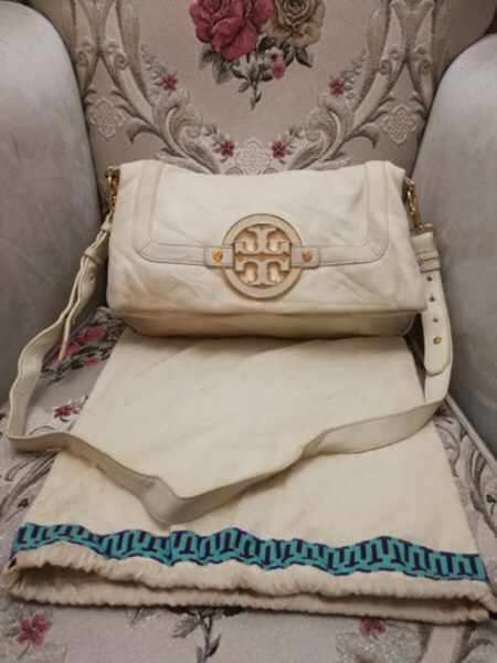 Used AUTHENTIC TORY BURCH LEATHER 2WAY BAG.. in Dubai, UAE