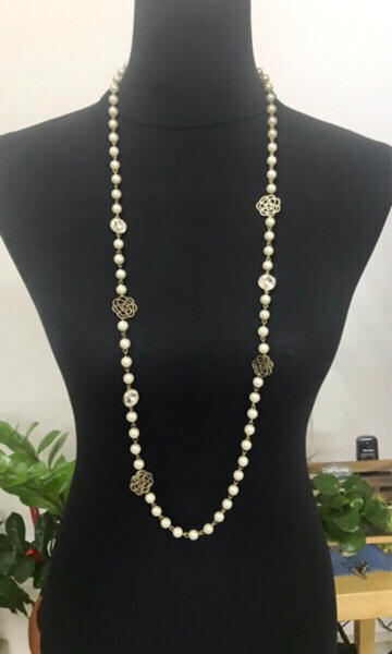 Used Fashion Necklace/ 50 cm length  in Dubai, UAE