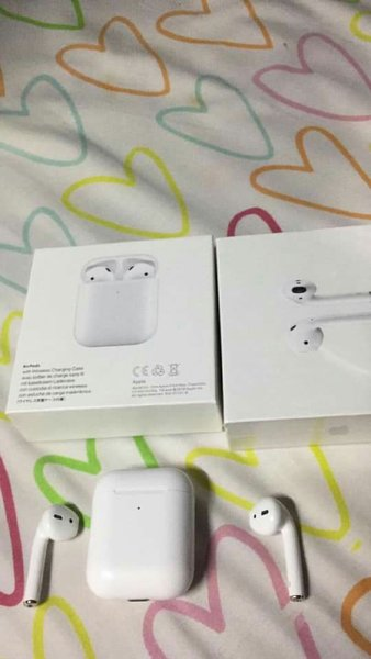 Used Apple airport's 2 1month have warranty in Dubai, UAE