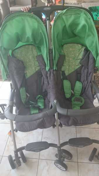 Used Baby swing and twin stroller in Dubai, UAE