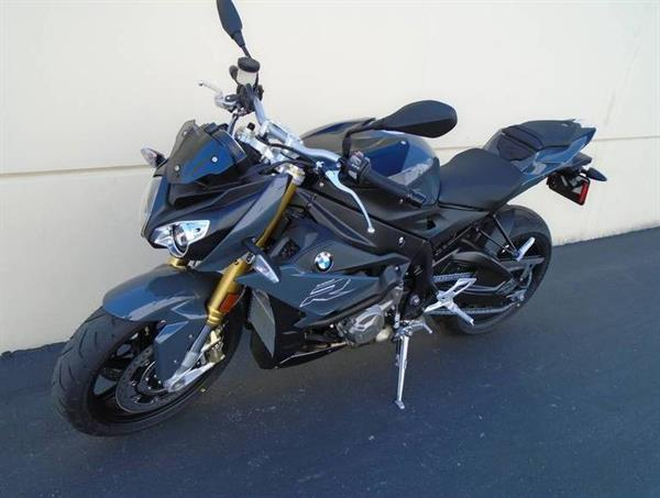 Used 2016 BMW S 1000 R.. Whatsapp at +66958909224 in Dubai, UAE