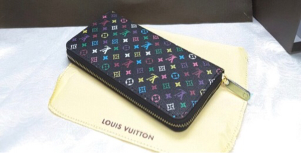 Used High Quality LV wallet in Dubai, UAE