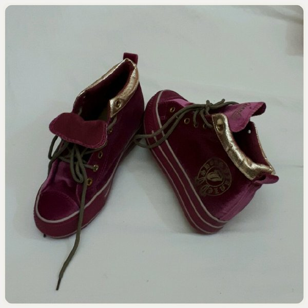 Used Highcut shoes pink velvet in Dubai, UAE