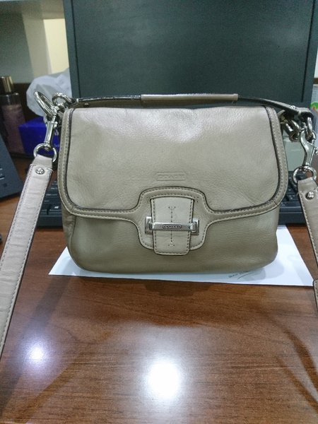 Used COACH SLING LEATHER in Dubai, UAE