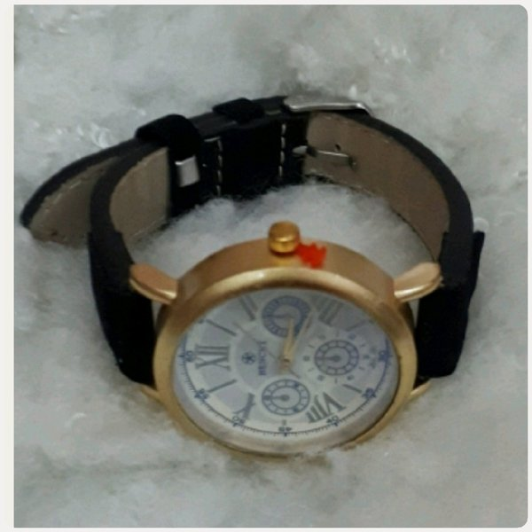 Used Watch black color casual wear for girl in Dubai, UAE