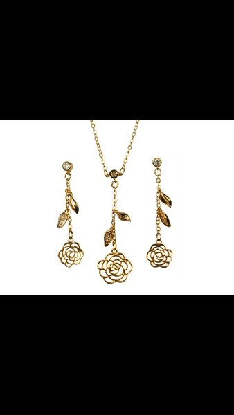 Used Gold plated jewellery set2 in Dubai, UAE