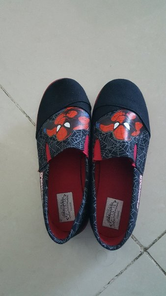 Used Boys spiderman shoes size 32 in Dubai, UAE