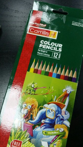 Used 3 hp pencil box and 1 colour pencils box in Dubai, UAE