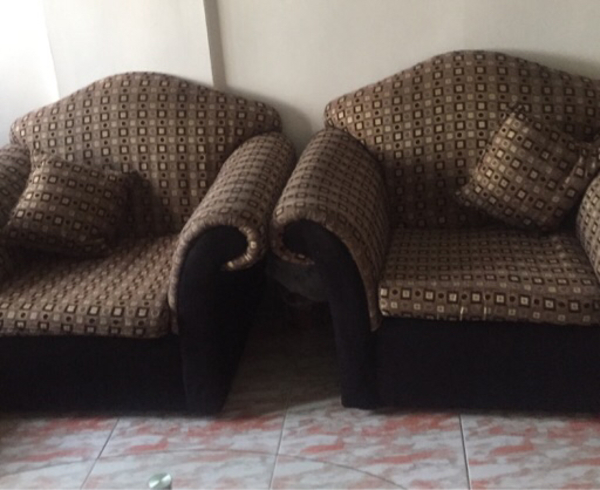 7 seater sofa set in very good condition