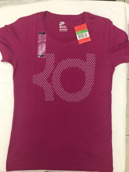 Used Item No. 5 Ladies T-shirt in Dubai, UAE