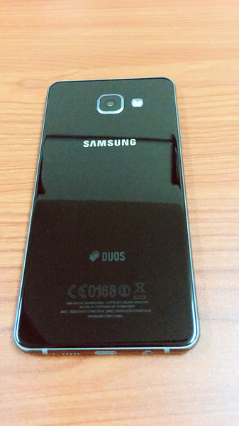 Used Samsung A5 2016  with all accessories  in Dubai, UAE