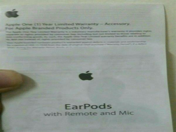 2 Pieces Original Apple Earpods with remote and mic